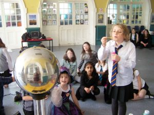 Free science workshops for schools